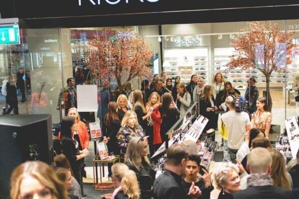 Kicks flagship store- enklaknep